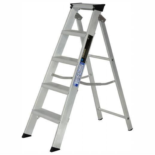 Youngman 305996 Aluminium Builders Steps; Class 1; 5 Tread; Top Tread Height 1090mm; Safe Working Height 2390mm